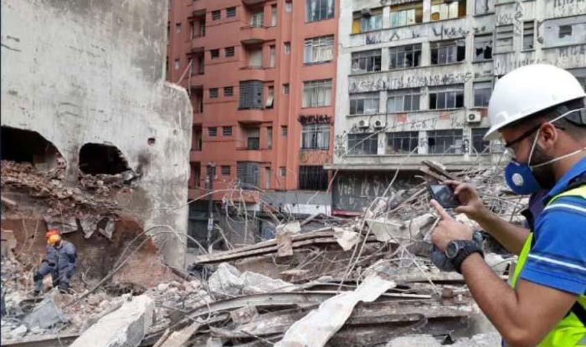 Corpo de criança é encontrado nos escombros do prédio que desabou