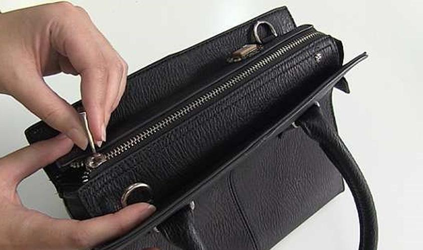 ec3e0e7ad Loja de departamentos consegue afastar dano moral em revista visual de  bolsas e pertences de empregada
