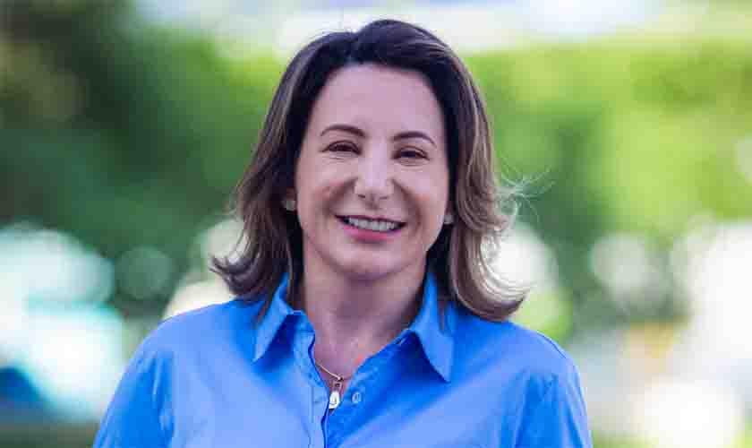 Jaqueline Cassol faz gestão junto ao FNDE e consegue liberar pagamento para a prefeitura de Alto Alegre